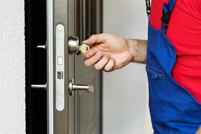 How to Remove a Broken Key From a Door Lock